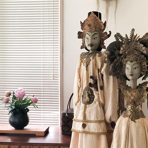 山口友一さんの黒い花器